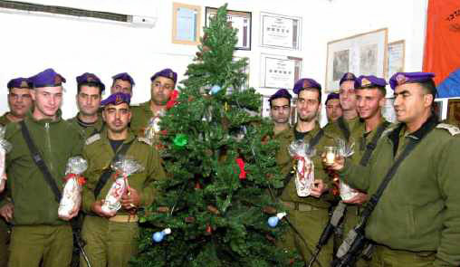 """Primeiro-ministro saúda soldados cristãos de Israel, em Nazaré: """"Somos irmãos""""!"""