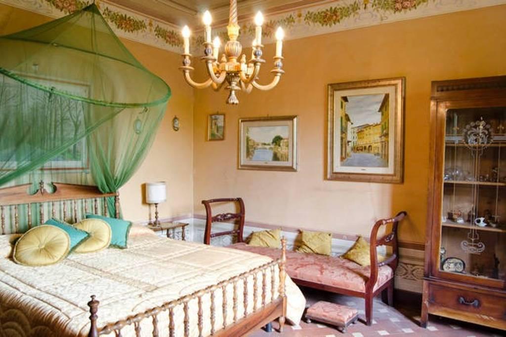 """Room """"Fiammetta"""", B&B La Rocca in Carmignano, Tuscany (Italy)"""