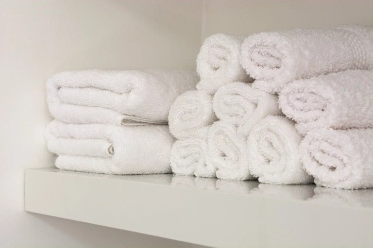 White towels for Airbnb