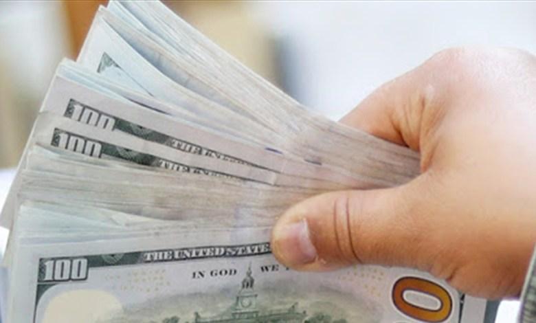 الدولار تجاوز أمس الـ15500 ليرة.. كيف افتتح اليوم في السوق الموازية؟