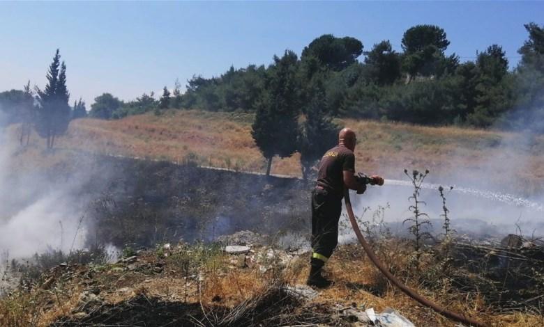 الدفاع المدني أخمد حريقا في بلدة عيات العكارية