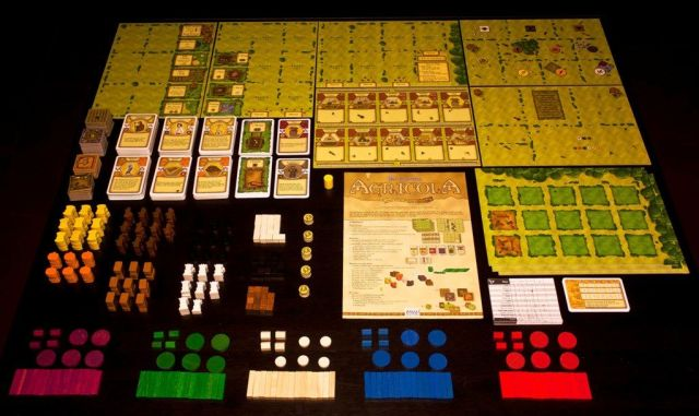 Agricola - Inside The Box