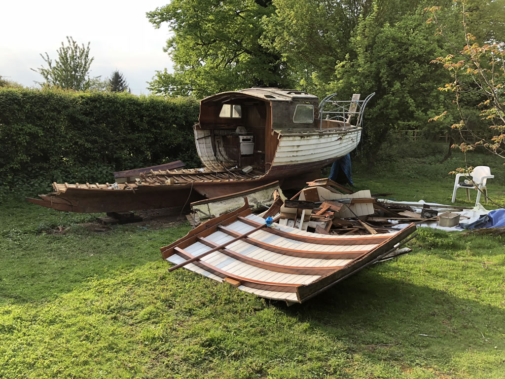 The Only Way is Essex: Scrap Yacht in an Orchard - End of the day