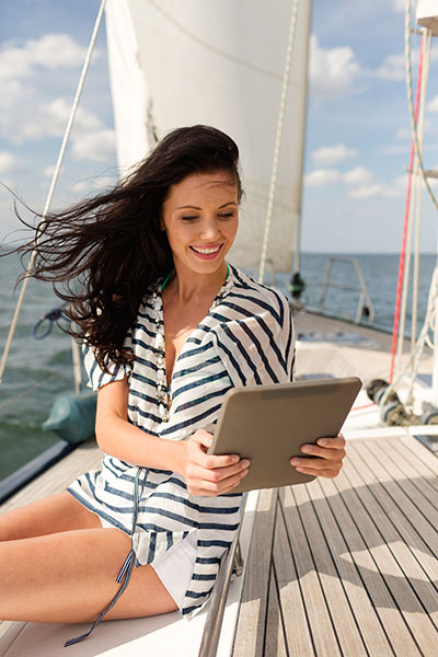 Increase boat sales with live chat and text from BoatChat.