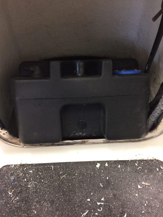 Installer un réservoir fixe dans son bateau Fichier_00032-scaled