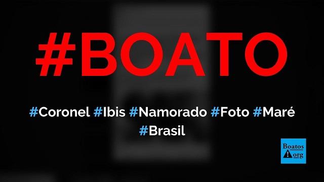 Coronel Ibis é flagrado em foto com namorado bandido do Complexo da Maré, diz boato (Foto: Reprodução/Facebook)