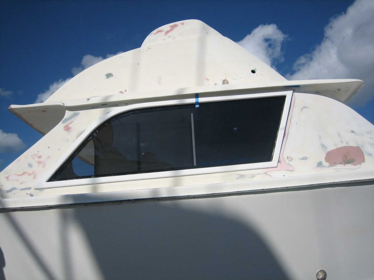 Bertram 31 side boat window