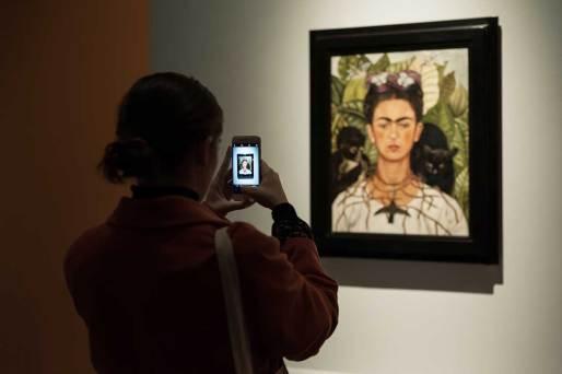 Frida-Kahlo-social-by-CARLOTTA-COPPO