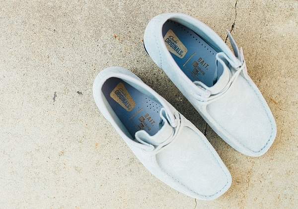 breaking-bad-bait-clarks-wallabee-blue-4