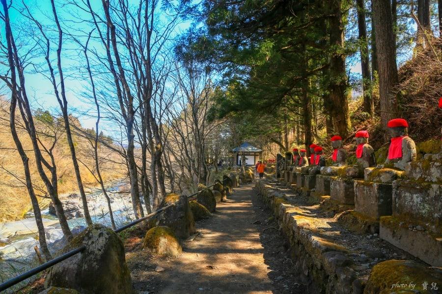 【日本北關東|栃木縣日光景點】憾滿之淵。地藏會玩躲貓貓?瀰漫奇幻氛圍的神秘峽谷。