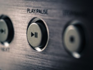 play pause buttons