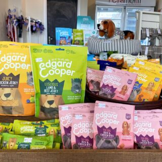NEW Edgar&Cooper dog treats now available in store 🛍 Delicious jerky meat flavours & strawberry mint dental sticks that your dog will love 🍓
