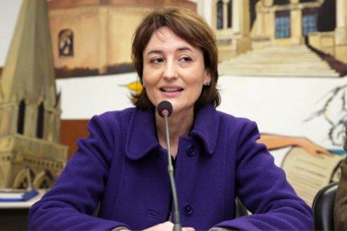 Curitiba pode ficar sem caixa para pagar salários dos barnabés, diz Eleonora