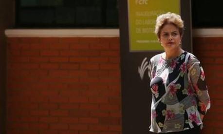 Dilma chama impeachment de 'pedalada política'