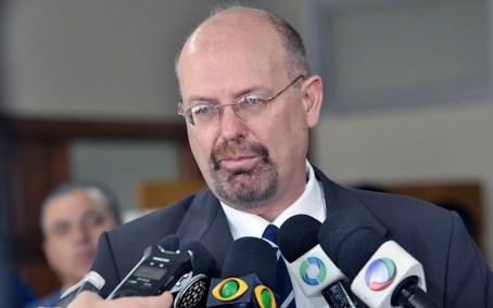 Na Câmara, quatro partidos formam oposição a Fruet