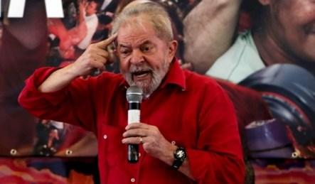 Resultado de imagem para Juiz manda devolver passaporte de Lula e diz não ver risco de fuga