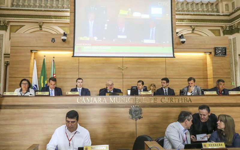 Greca anuncia R$ 478 milhões em obras para 2018