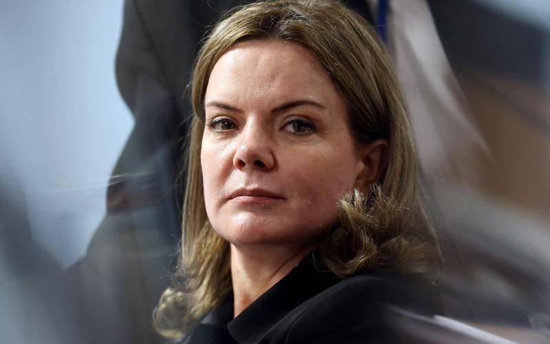 Lava-Jato: ré por corrupção, Gleisi Hoffmann é a primeira da fila no STF e poderá fazer companhia a Lula