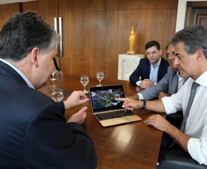Richa assina ordem de serviços para obras que vão triplicar embarque de grãos no Porto de Paranaguá