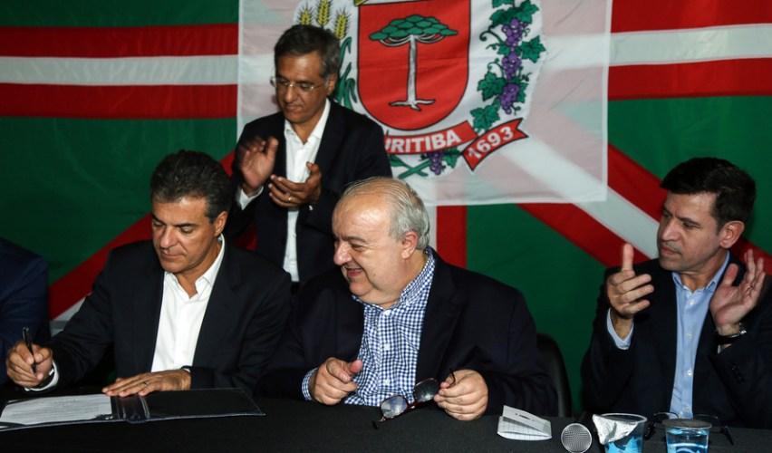 Richa garante R$ 30 milhões para novo viaduto em Curitiba