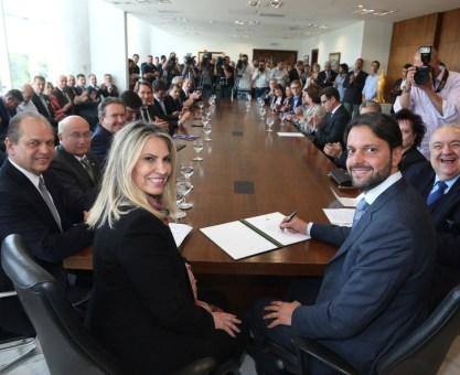 Cida e Baldy liberam R$ 175 milhões para obras em Curitiba, Piraquara, Colombo, Pinhais e São José dos Pinhais