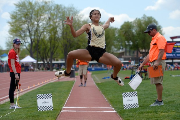 Jefferson Academy's Aaliyah Robinson competes in ...