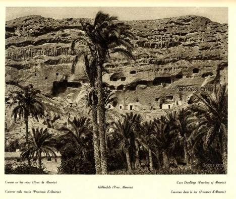 cuevas en las rocas de la provincia de Almeria