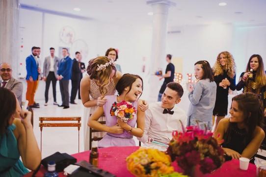 cuentinovia entrega sorpresa a su hermana www.bodasdecuento.com