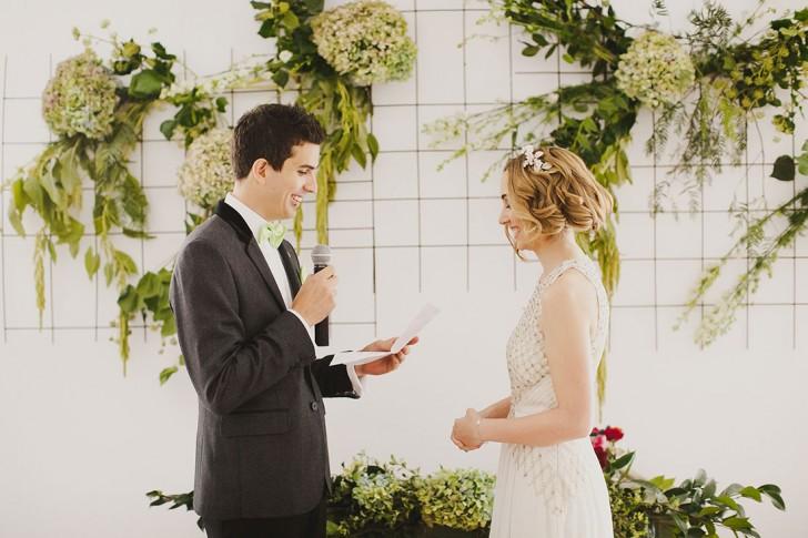 Ceremonia boda indie Madrid www.bodasdecuento.com