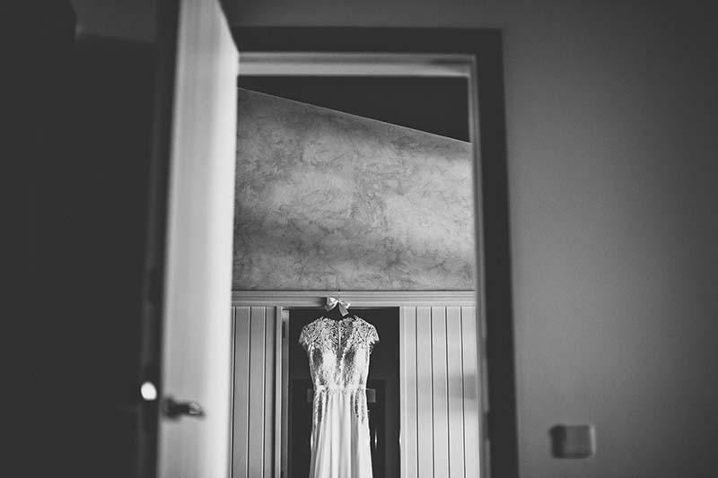 vestido novia colgado www.bodasdecuento.com