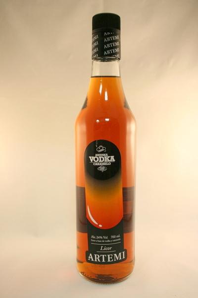 Cómo tomar el Vodka Caramelo Artemi Aniuska