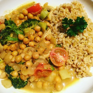 Vegan Chickpea Curry with Freekah