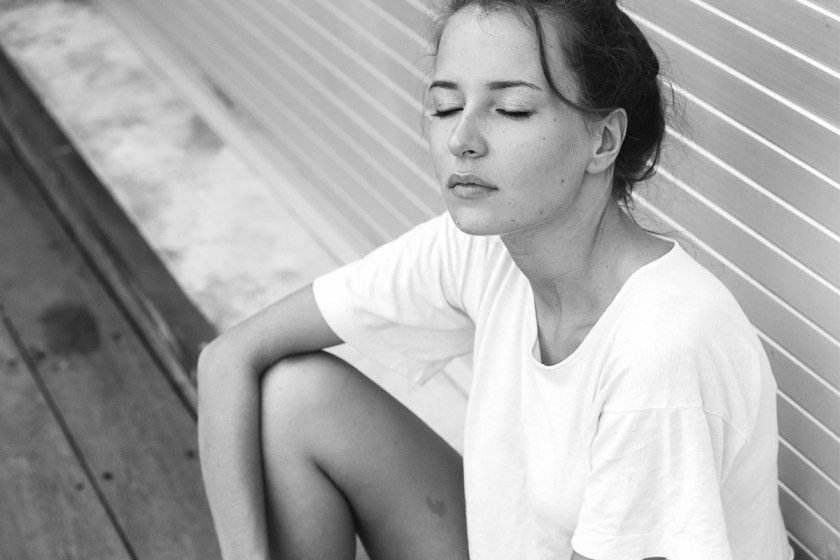 Denim shorts & white t-shirt