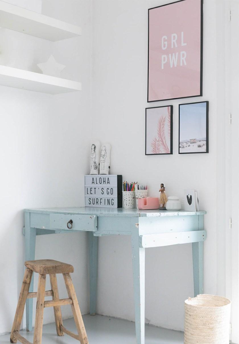 Teenage's desk area makeover