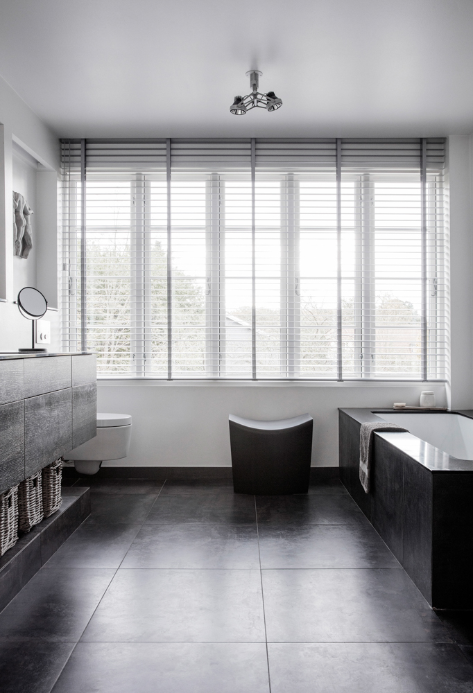 Stylish White & black bathroom