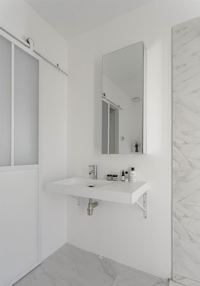 before & after- our bathroom makeover