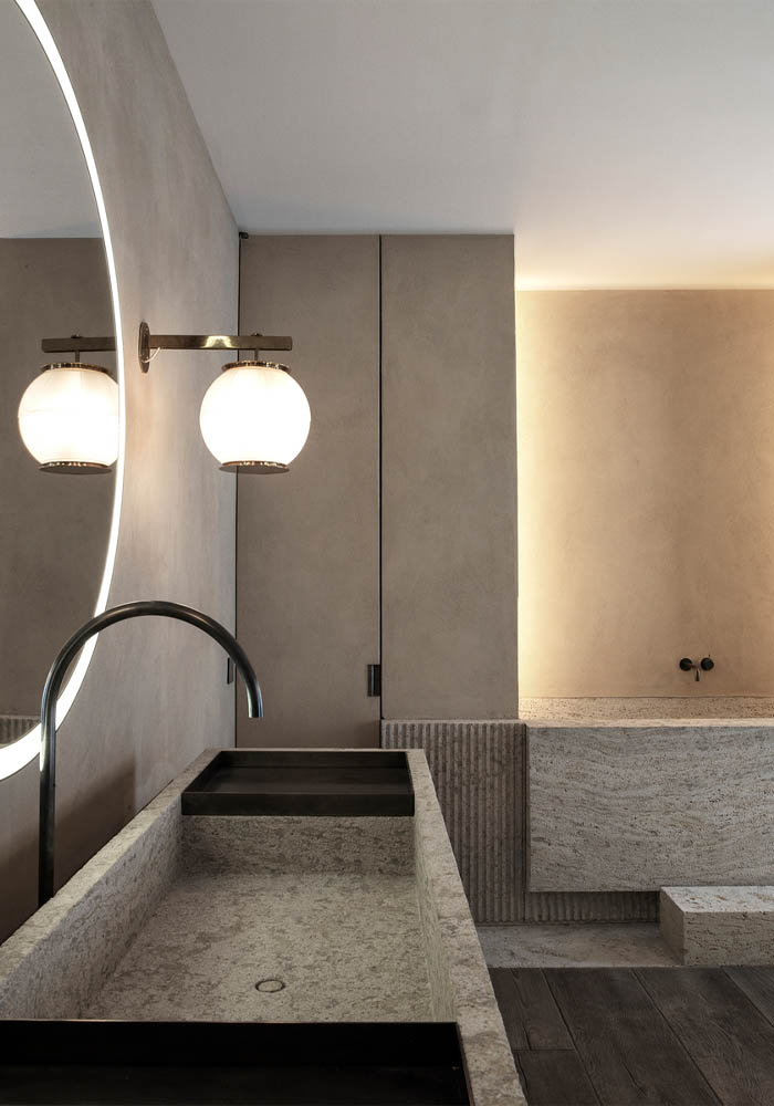 timeless, warm minimalist bathroom