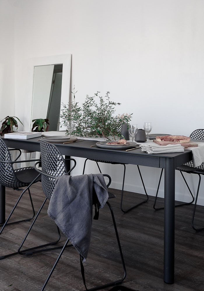 Grey dining table & chairs by Grosfillex