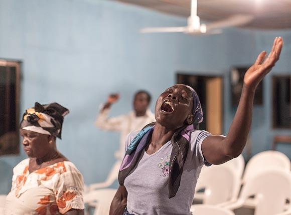 Sans titre - Okerenkoko, royaume de Gbaramatu - Christian Lutz, Nigeria, delta du Niger, Mai 2010 © Lutz / MAPS