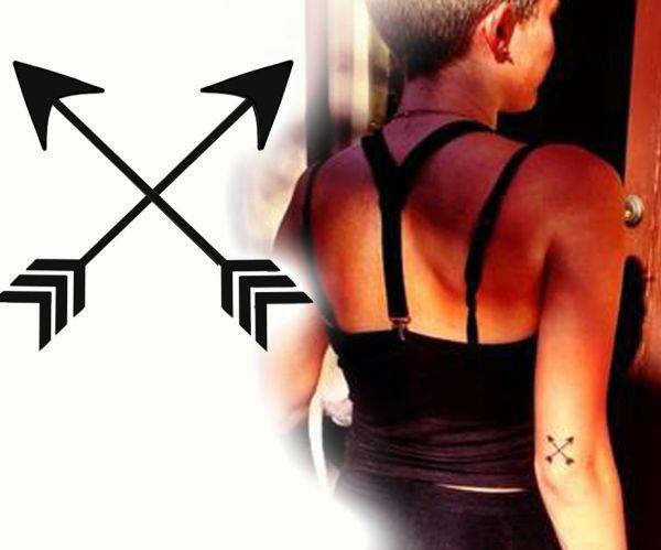 Crossed-Arrows-Miley-Cyrus-924x768