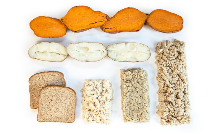 มันเทศมันฝรั่งสีขาวขนมปังและข้าวโอ๊ต