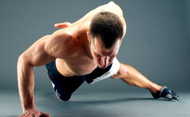 Push-Ups And Pull-Ups Using One Hand