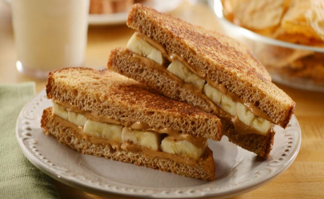 Grilled Sandwich With Peanut Butter