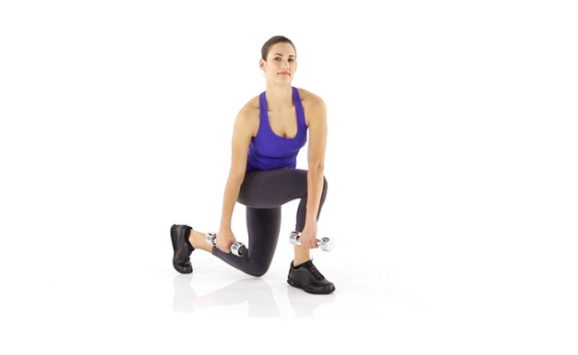 Crossover Reverse Lunges