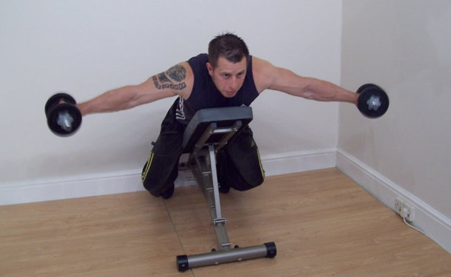 Inclined Bench Flyes With Dumbbells 2