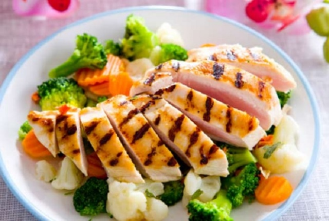 Grilled Chicken And Mixed Vegetables