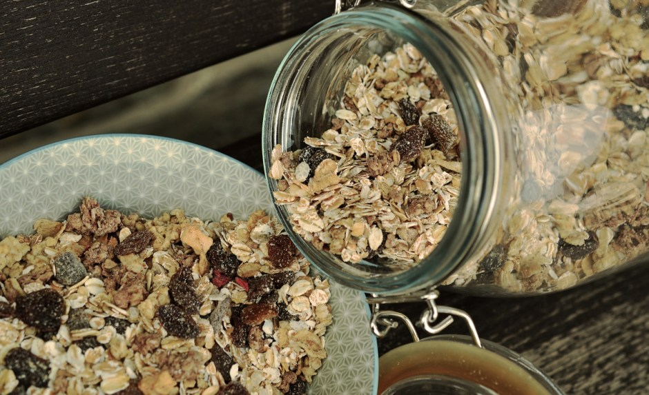 Mason jars are a hug hit for on-the go food, great for muesli, fresh fruits, chopped veggies or parfait.