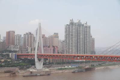 Brücke über den Jangtsekiang und Skyline