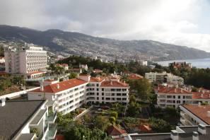 Blick vom Balkon auf Funchal