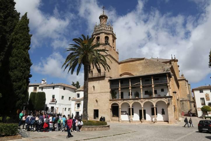 Kirche Parroqia Santa Maria la Mayor